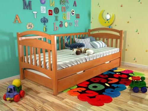 Кровать Филиса из массива