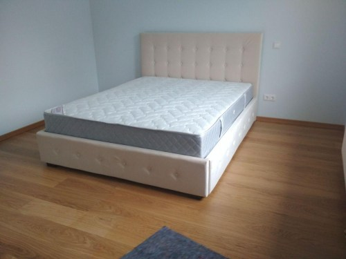 Кровать Сандра из массива