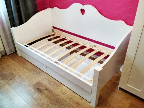 Кровать Дарла из массива