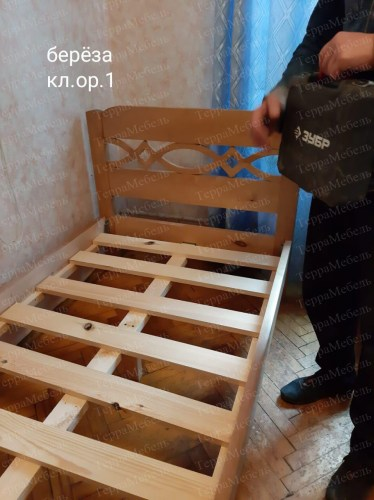 Кровать Адлер из массива